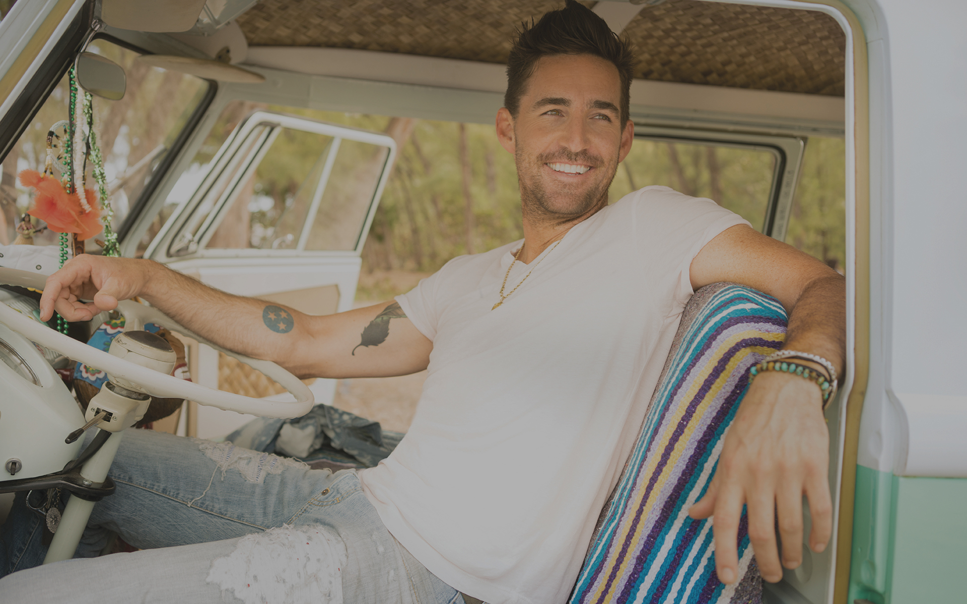 jake-owen-slide